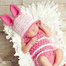 The new pink rabbit modeling baby knitted hat knitted suits for children Photo Props