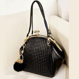 Wholesale New Fashion luxury women handbag shoulder bag PU leather Black seashell bag famous designer vintage women messenger bag