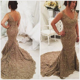 2019 Luxury Crystal Mermaid Evening Dresses V Neck Sleeveless Sequins Trumpet Lace Applique Party Gowns Sweep Train Plus Size Prom Dress