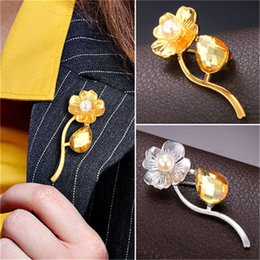 Women's Fashion Lapel Flower Brooch High Quality Platinum 18K Real Gold Plated Pearl & Stone Brooch Pins
