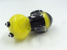 Wholesale Yellow bee smoking glass pipes new design picture hand pipes glass smoking pipe hand pipes mini bee glass pipes bubblers inches