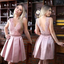 2017 New Pink Sheer Neck V Back Homecoming Dresses Short Lace Appliqued Cocktail Gowns A Line Satin Girls Graduation Dresses Party Gowns