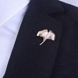 Wholesale Men ginkgo biloba leaf Lapel Stick Brooch Pin Suit Tuxedo Corsage Wedding Boutonniere Retro buttons lapel pin for wedding