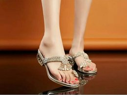 Korean style thick heel flip-flop sandals lady Slides crystal rhinestone sandals fashion sexy sandals 2016 summer free shipping