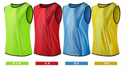Wholesale Soccer Training vest a Soccer jersey football training vest colors Light and Easy to Dry