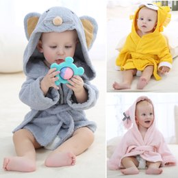 Wholesale 2016 IDgirl Brand Designs Hooded Animal Modeling Baby Bathrobe Cartoon Baby Towel Character Kids Bath Robes Infant Beach Towels BY DHL