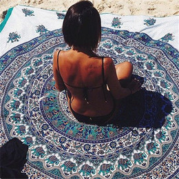 Wholesale Beach sunbathing Towel Fashion Scarves Wraps Sarongs Types cm Bath Towel Tassel Decor Geometric Printed Bath Towel