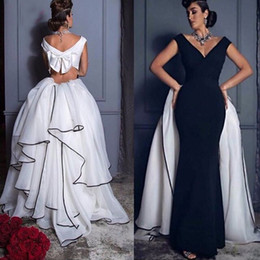 Detachable train Prom Dresses with white and black Arabic Style Dubai V neck Grace Mermaid Formal Pageant Evening Gowns