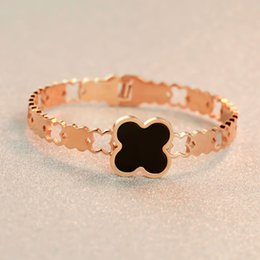 Mo is Korean fashion temperament hollow shell clover 18K rose gold color gold plated bracelet Valentine Gift