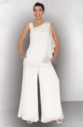 Mother Of The Bride Groom Pant Suit Ruched Crystal Plus Size White Chiffon Elegant Women Formal Wedding Guest Dresses