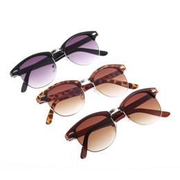 20pcs gafas de sol unisex caliente nuevo clásico retro popular Avaitor de oro espejo de los vidrios 2017 Moda desde espejo de cristal clásico fabricantes