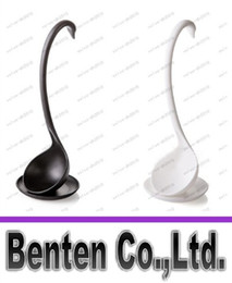 Wholesale Creative Aesthetic design Swan modeling plastic material spoons cm high Vertical Kitchen spoon colors LLFA