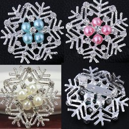 2016 Frozen Snowflake Brooch Silver Rhinestone Crystal Alloy Brooches Cartoon Christmas Pins Fashion Flowers Pearl Wedding Party Jewelry