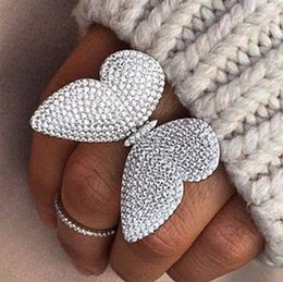 Wholesale luxury design made of sterling silver the moving butterfly ring with white zircon wedding jewelry