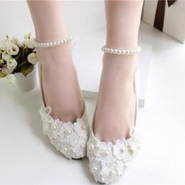 Blanc Chaussures De Mariage À La Main Perles De Perles De Perles De Dentelle Multi-Talon Chaussures De Mariage Chaussures De Mariage Femmes Talon Plain Heel à partir de chaussures simples talons fournisseurs