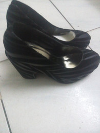 Thick high-heeled set foot round head women's shoes, a clearance sale, at a loss to sell, quality assurance.
