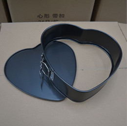 Wholesale Heart shaped belt buckle high end non stick cake mold live bottom oven baking mold tool