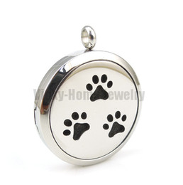 Wholesale Round Silver Paw mm Essential Oils Diffuser Locket Aromatherapy Locket Necklace with Pads