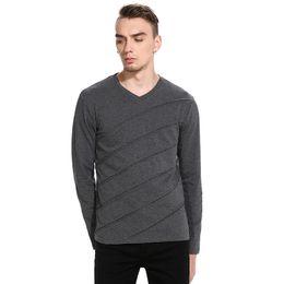 New Men's Hip Hop T-shirt Ouma Casual Fashion Fold Long-sleeved V-neck T-shirt Solid Color Cotton Men