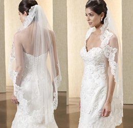Hot Sell Bridal Veils 2016 Embellished Lace Applique fingthtip length White   Ivory Color Tulle Wedding Veils