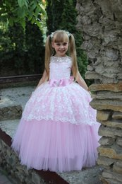 Lovely Little Girl Pageant Dress Pink Princess Floor Length Lace Tulle Ball Gown With Sash Bowknot Jewel Back Keyhole Flower Girls Dresses