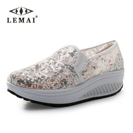 Wholesale fashion lose weight women wedge shoes spring summer autumn swing female lace zapatillas shoes free fun wedge casual shoes