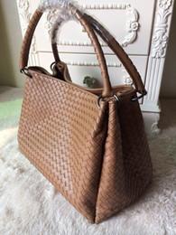 2016 newFree shipping!Fashion Free Shipping Top-Quality Famous brand Genuine Leather Handbag Cross woven handbag Women Tote Bag