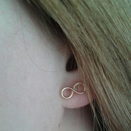 Wholesale Tiny Infinity Earrings Studs Cute Simple August Infinite Stud Earrings Lucky Number Figure Eight Stud Earring