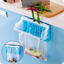 Wholesale Foldable trash garbage bag holder plastic Hanging rubbish bag storage rack for cabinet doors back kitchen accessories