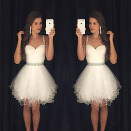 White Short Prom Dresses Modest Graduation Homecoming Dresses Cheap Spaghetti Straps Beaded Crystals Ruffles Party Gowns