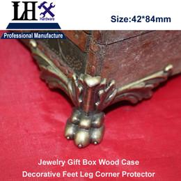 Wholesale LHX Antique Zinc Alloy Tiger Claw Bronze Jewelry Gift Box Wood Case Furniture Decorative Feet Leg Corner Protector