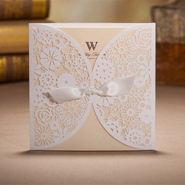 White Laser Cut Wedding Invitations Hollow Foil Stamping Ribbon Wedding Gift Lace Free Printable Cards with Envelope Seals Wedding Favors