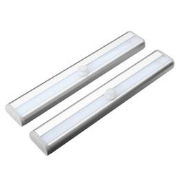 Zeroedge Stick-sur Partout Portable 10 LED de mouvement sans fil Sensing Closet Cabinet LED Night Escaliers / Step Light Bar (Batterie O Blanc à partir de placards blancs fabricateur