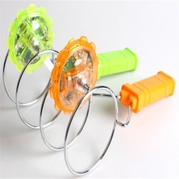 Fun Central LED Rail Twirler-Spining Top Wheel For little Children To Exercise Their Hands-On Ability And Have Fun