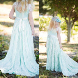 Vintage Girls Dresses Special Occasion A Line Mint Green Scoop Neck Sleeveless Beaded Crystals Sash Kids Formal Lace Gowns Sweep Train