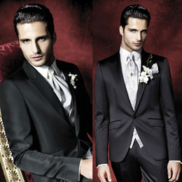 Black Three Pieces Mens Suits One Buttons Custom Made Slim Fit Tuxedos Side Split High Quality Wedding Tuxedos