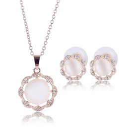 Pearl Necklace And Earring Diamante Crystal Alloy 14k Gold Plated Jewelry The Clothing Jewelry Sets Present For Women 2016 Fashion