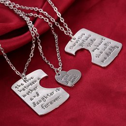 Wholesale 3Pcs Set Mother s Day Best Gift There Is Girl Who Stole My Heart The Love Between Mother Daughter Letter Necklace Family Jewelry