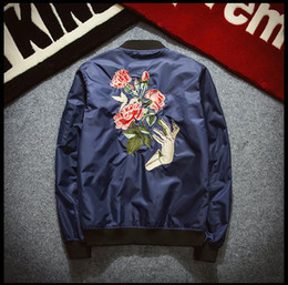 Wholesale Japanese hip hop air force flight popular logo Bomber Jacket Chaquetas Mujer Flower Embroidery Couples Jacket Women Oversize Casaco Outwear