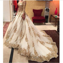2019 Country V-neck Long Sleeve Wedding Dresses Gold Appliques Embellished with Blink Sequins Sweep Train Amazing Formal Bridal Gowns