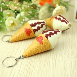 Wholesale whilesale Light ice cream keychain Japanese sweet small fresh pink color ice cream birthday gift Meng pet system