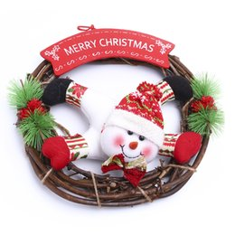 Wholesale 2016 Christmas Wreath cotton cloth doll Santa Claus and snowman pendant wood wreath decorated lovely Christmas decorations
