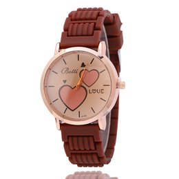 Fashion Solid Color Casual Dress Watch Round Dial Heart Shaped Pattern Lady Watch Silicone Band Quartz Sport Watch for Woman