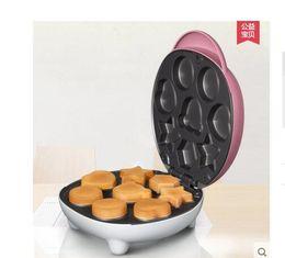 Livraison gratuite Ménage automatique mini-sur-facile gaufres mécanique et électrique de cuisson au four La sécurité bakélite isolant n'est pas collant à partir de sécurité facile fabricateur