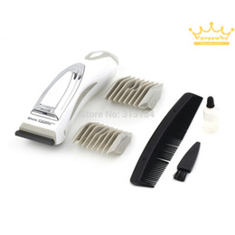 Wholesale Men s Electric Shaver Beard Razor Hair Clipper Body Groomer Hair Removal Power By Battery Handy Silver Brand New Good Quality
