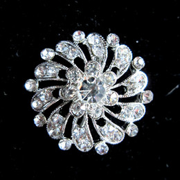 Round Flower Clear Crystal Silver Base Custome Brooch Pin
