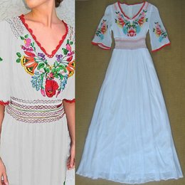 Petite White Embroidered Formal Evening Gowns V Neck Bell Sleeve Maxi Party Prom Dress Long Beach Wedding Dress OLDF0324