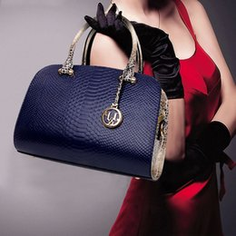 Wholesale New fashion snake and single shoulder bag Handbag casual handbag Ladies satchel new authentic welcome to order