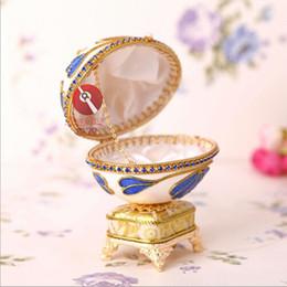 Promotion boîtes à bijoux dames Cadeau précieux souvenir Musical Box cadeau coquille d'oeuf à la main artisanat artistique cadeau boîte de bijoux pour dames