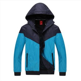 Wholesale 2016 New Quality Men s Hiking Jackets fashion jacket Camping Clothes Hoodies Essential for outdoor sports Camping Hiking